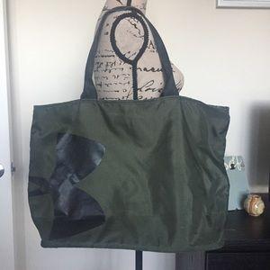 🛍 Under Armour Bag